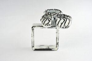 emaillierter Ring – Kelche
