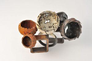 Ringe aus Eisen – rostig, emailliert
